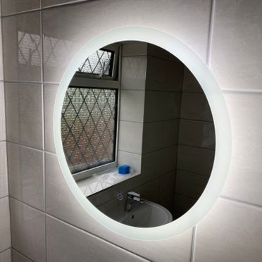 Ellera LED Mirror 580 Circular With Demister