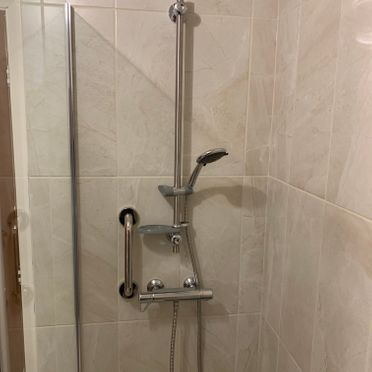 Lever Shower