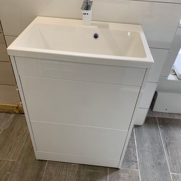 Oslo 58cm Double Push Drawer For A Sleek Look. Using The Quantum Basin & Helston Mono Mixer.